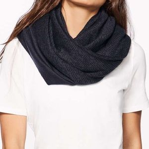 NWOT Lululemon Flow and Go Scarf